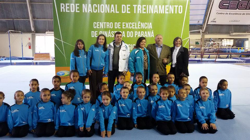 Centro de Excelência de Ginástica do Paraná recebe novos materiais ... 59f58e3a0a03e