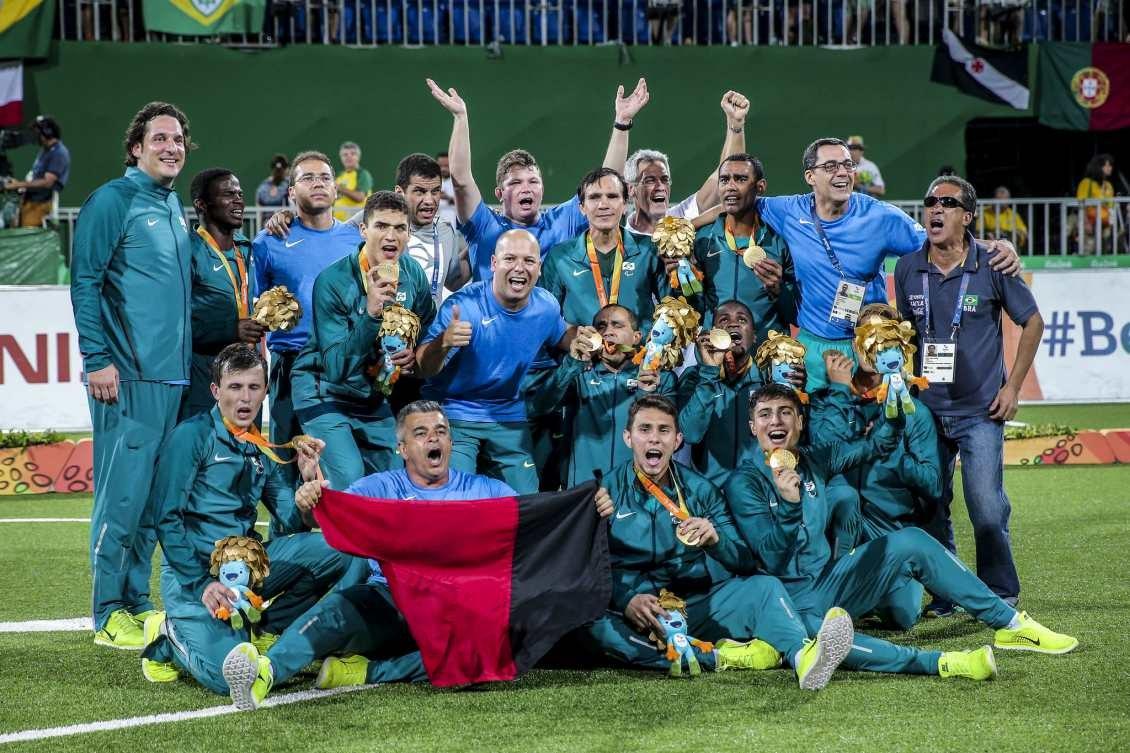 fc2b249fb7 A mais incontestável das hegemonias paralímpicas é brasileira  tetra no  futebol de cinco — Rede do Esporte
