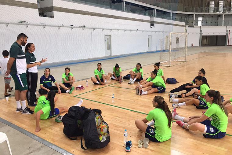 ca34a731d5803 Seleção feminina de futsal realiza clínica no Parque Olímpico e mira ...