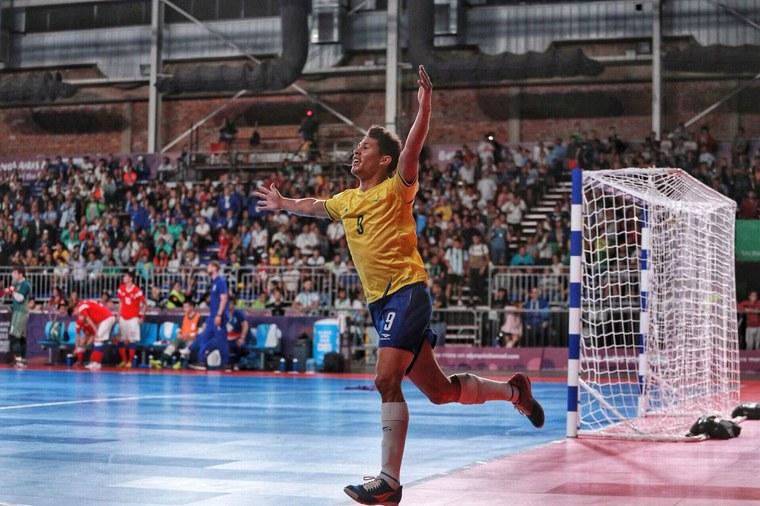 Seleção de futsal coroa campanha perfeita com medalha de ouro inédita f3c99060897d0